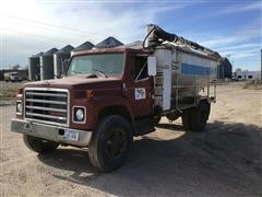 1989 International 1754 S/A Bulk Feed Truck