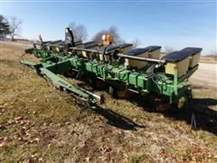 "John Deere 7200 MaxEmerge 2 8R36"" Front Fold Planter"