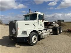 1987 Freightliner FLC120 T/A Cab & Chassis (INOPERABLE)