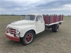 1952 Studabaker S/A Grain Truck