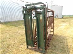 Big Valley 7272 Manual Livestock Squeeze Chute