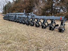 "Hiniker 6000 3-Pt 16R30"" Row Crop Cultivator"