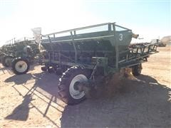 Lockwood 6100 6-Row Potato Planter W/Tanks