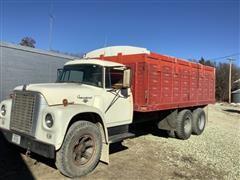 1963 International LoadStar 1800 T/A Grain Truck